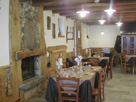 La sala da pranzo picture of agriturismo la polveriera chiesa in valmalenco tripadvisor - La sala da pranzo ...