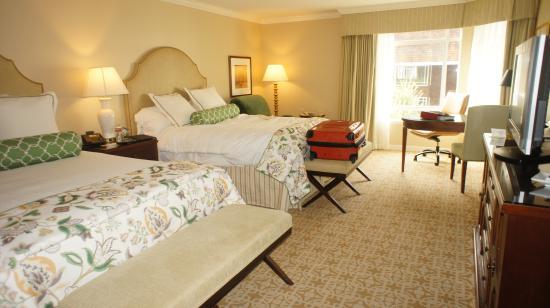 Stanford Park Hotel: Просторные комнаты с отличными кроватями