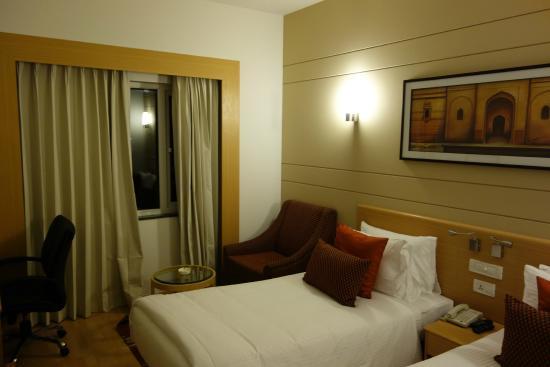 Lemon Tree Hotel Gachibowli Room