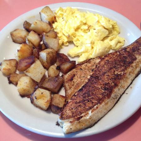 Leenie S Cafe Longmont Hours