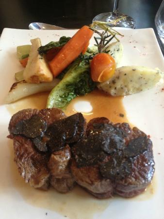 Le Living: Filet de boeuf Limousin aux Truffes Noires