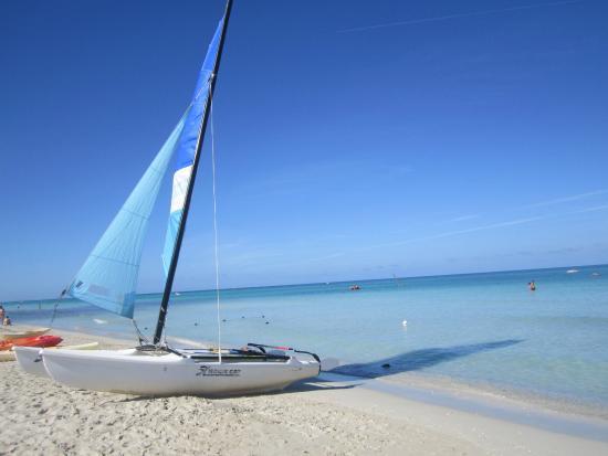 Varadero Beach : Estrcho de playa frente al Hotel Blau Varadero, Cuba