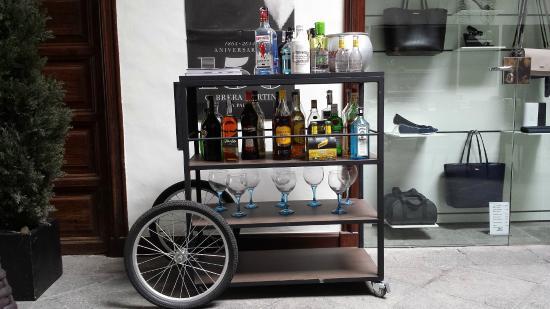 Carro de bebidas picture of el cafe de don manuel santa cruz de la palma tripadvisor - Carrito bebidas ...