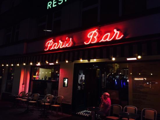 the outside bild von paris bar berlin tripadvisor. Black Bedroom Furniture Sets. Home Design Ideas