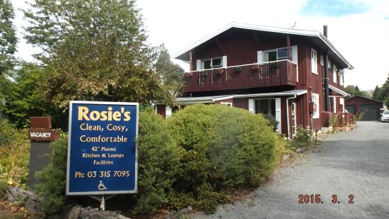 Rosie's Bed and Breakfast: Front property view