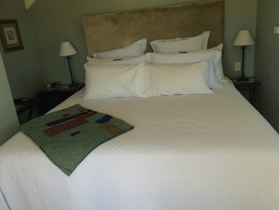 Aylstone Boutique Retreat: Bed