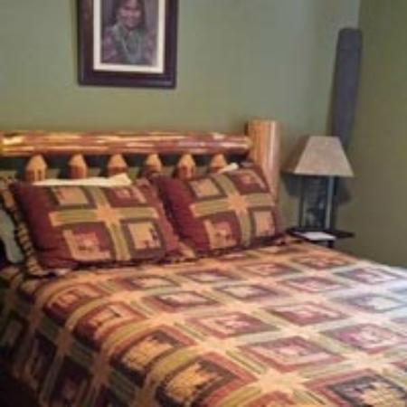 Deer Mountain Lodge & Wilderness Resort : THE WATERFOWL ROOM