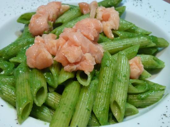 Mezzo Mezzo: Penne verde al salmón