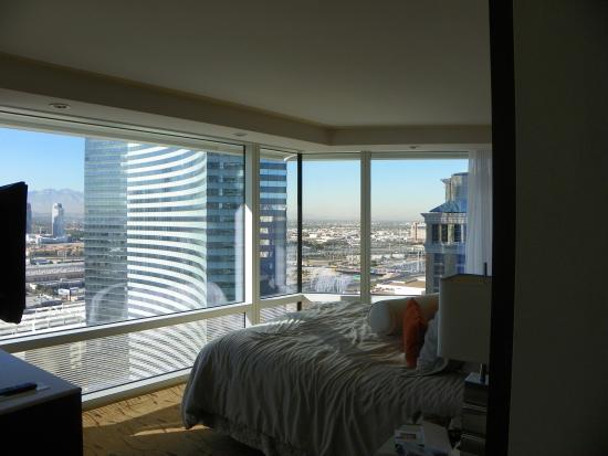 ARIA Resort & Casino: Corner window view from bedroom