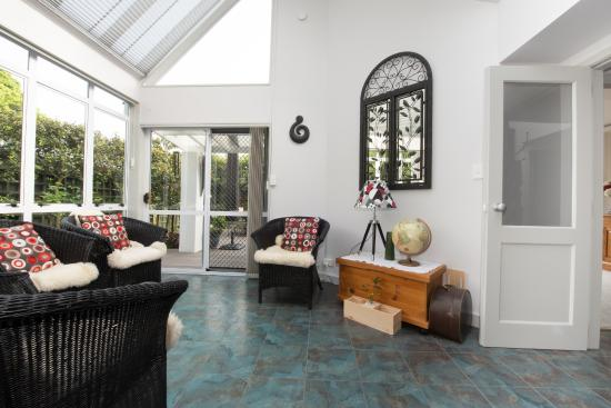 Finlay Banks Boutique Bed & Breakfast: Conservatory
