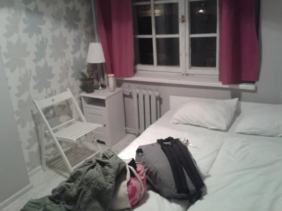 Riverside Hostel: Nice room by the river :) !!