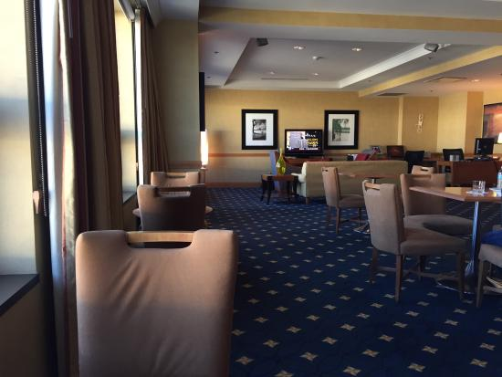 Club Lounge Picture Of Renaissance Chicago O Hare Suites Hotel