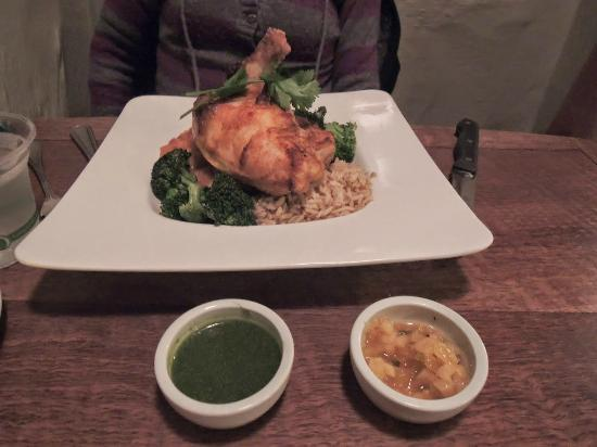 Robin's Restaurant: Tandoori Chicken