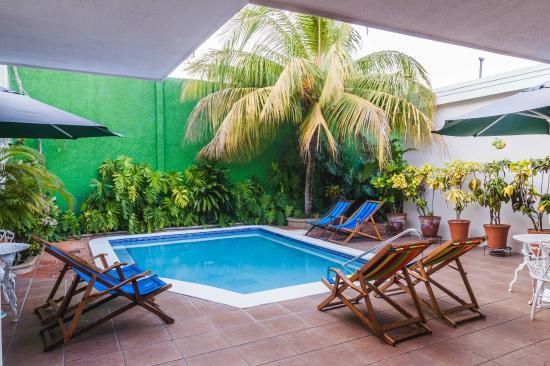 Hotel El Almendro Managua: Pool