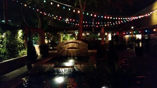 Outdoor Seating Picture Of Pappadeaux Seafood Kitchen Phoenix Tripadvisor