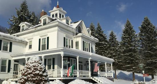 Sutton House Bed & Breakfast: Winter time at the Sutton House B & B