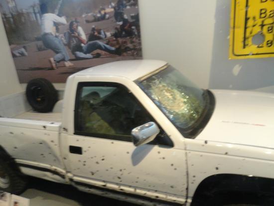 Newseum – Muzeum Newsów i Dziennikarstwa: shot truck