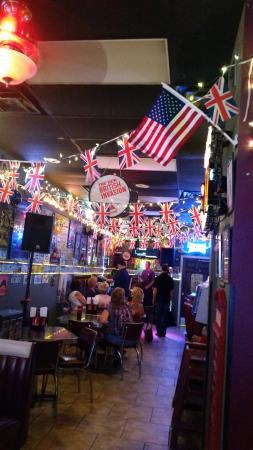 Sundays Grill: Karaoke Thursday at Sundays