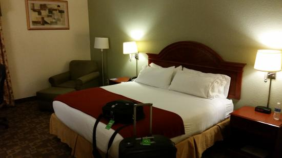 Holiday Inn Express & Suites Kimball: Room