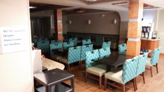 Holiday Inn Express & Suites Kimball: Breakfast