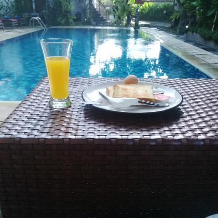 Pondok Sari Kuta Bali: Breakfast
