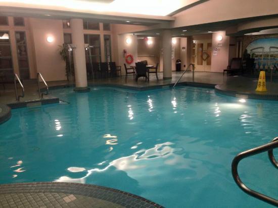 Delta Hotels By Marriott Grand Okanagan Resort Indoor And Outdoor Pool With