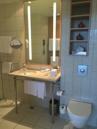 Suite master bathroom