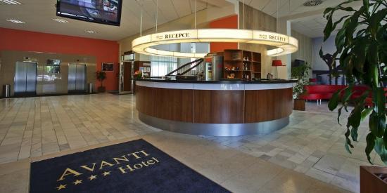 Avanti Hotel: Reception