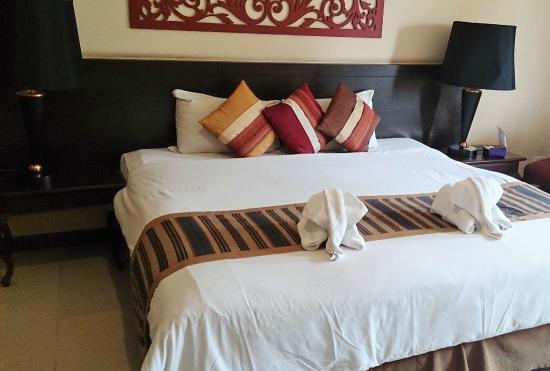 Piman Garden Hotel: bed