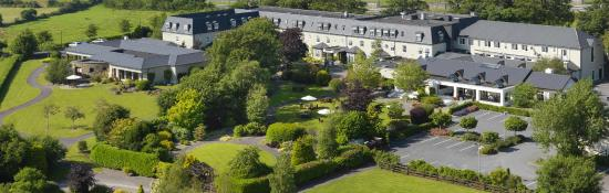 Ballygarry House Hotel & Spa: Adjacent to 80 acres of woodland