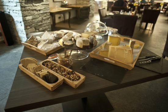 Chamois D'Or Hotel & Spa: Chamois d'Or Restaurant selection of local French cheeses