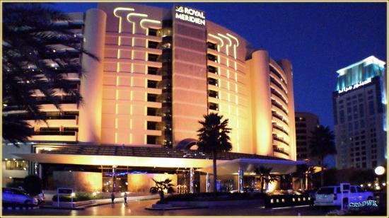 Le Royal Meridien Beach Resort & Spa: Das Hotel, Einfahrtsbereich