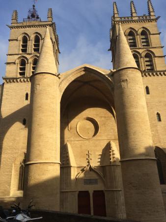 Best Western Hotel Le Guilhem: Eglise