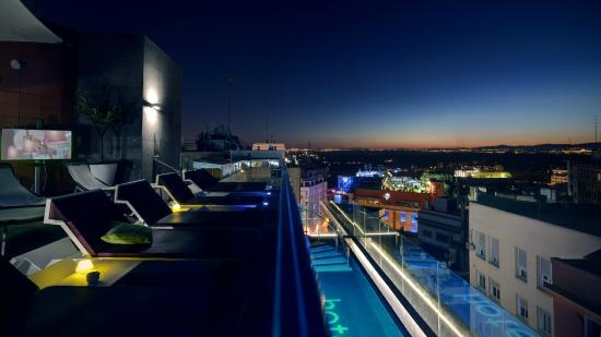 Hotel Indigo Madrid - Gran Via : Rooftop terrace