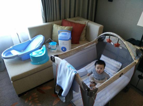 The Okura Prestige Bangkok: That's your bed. Thanks for all the extras, Okura!