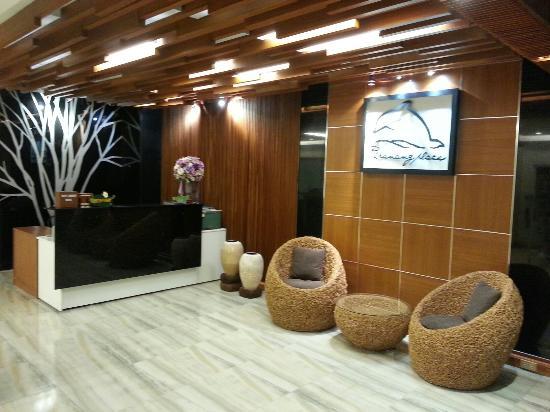 Phranang Place: Lobby