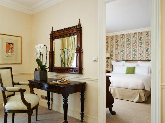 De Vigny Hotel: Living Room