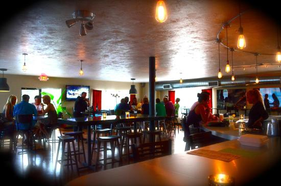 S.A.L.T Fusion Cuisine & Cana Lounge : Interior Caña