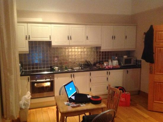 College View Apartments: The well equipped kitchen