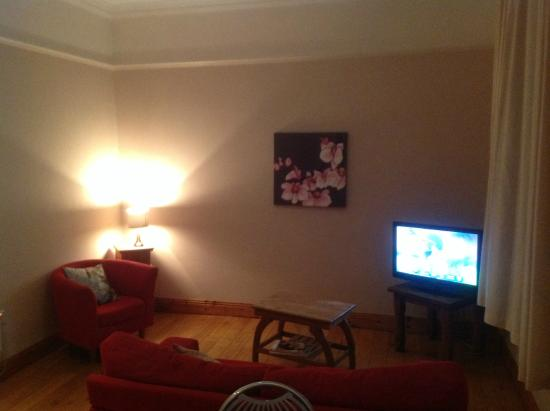 College View Apartments: View of the lounge area