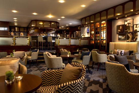 Close-Up Bar & Lounge - Picture of Renaissance Duesseldorf Hotel ...