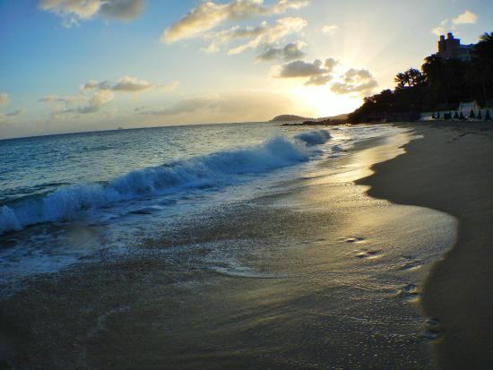 Frenchman's Reef & Morning Star Marriott Beach Resort: beach