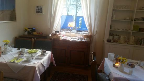 Behr's Parkhotel: Frühstück im Wohnzimmer2