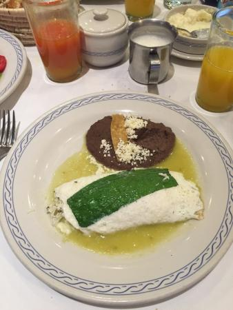 El Cardenal Alameda: Egg White Omelette with Goat cheese and Holy Leaf