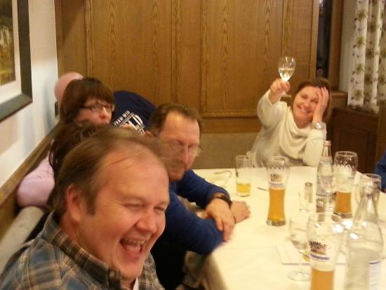 Hotel Alpenblick: Schöner lustiger Abend im Alpenblick