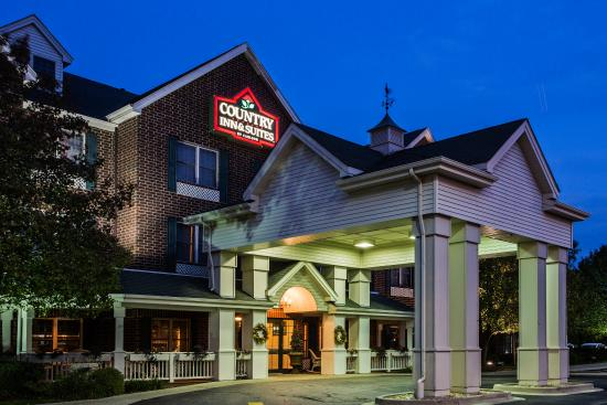 Country Inn & Suites By Carlson, Schaumburg : CountryInn&Suites Schaumburg ExteriorNight