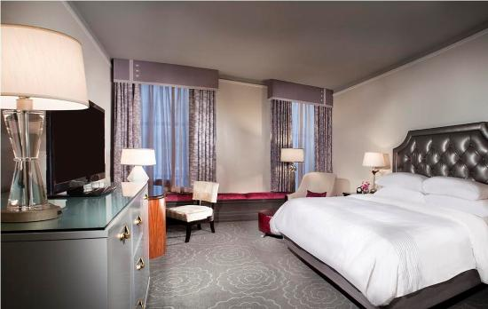 The Silversmith Hotel: Deluxe King Room