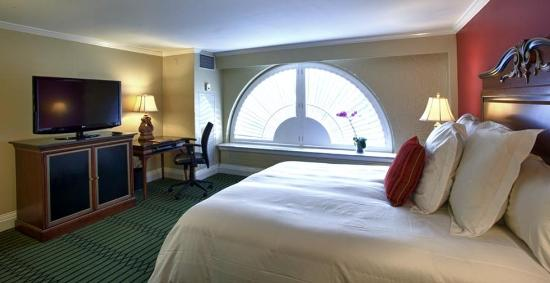 Bourbon Orleans Hotel: Deluxe King Guest Room