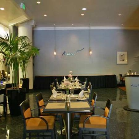 Doubletree Hotel San Diego Downtown: Restaurant -OpenTravel Alliance - Restaurant-