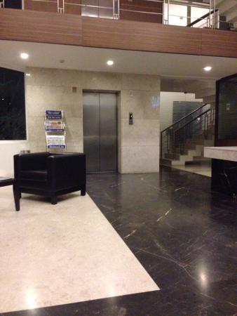 Hotel Jade Garden: Reception lobby